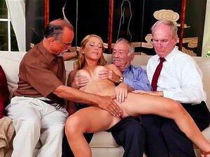 Die junge blonde Rebecca trifft sich mit einem bärtigen alten Mann an der Bar